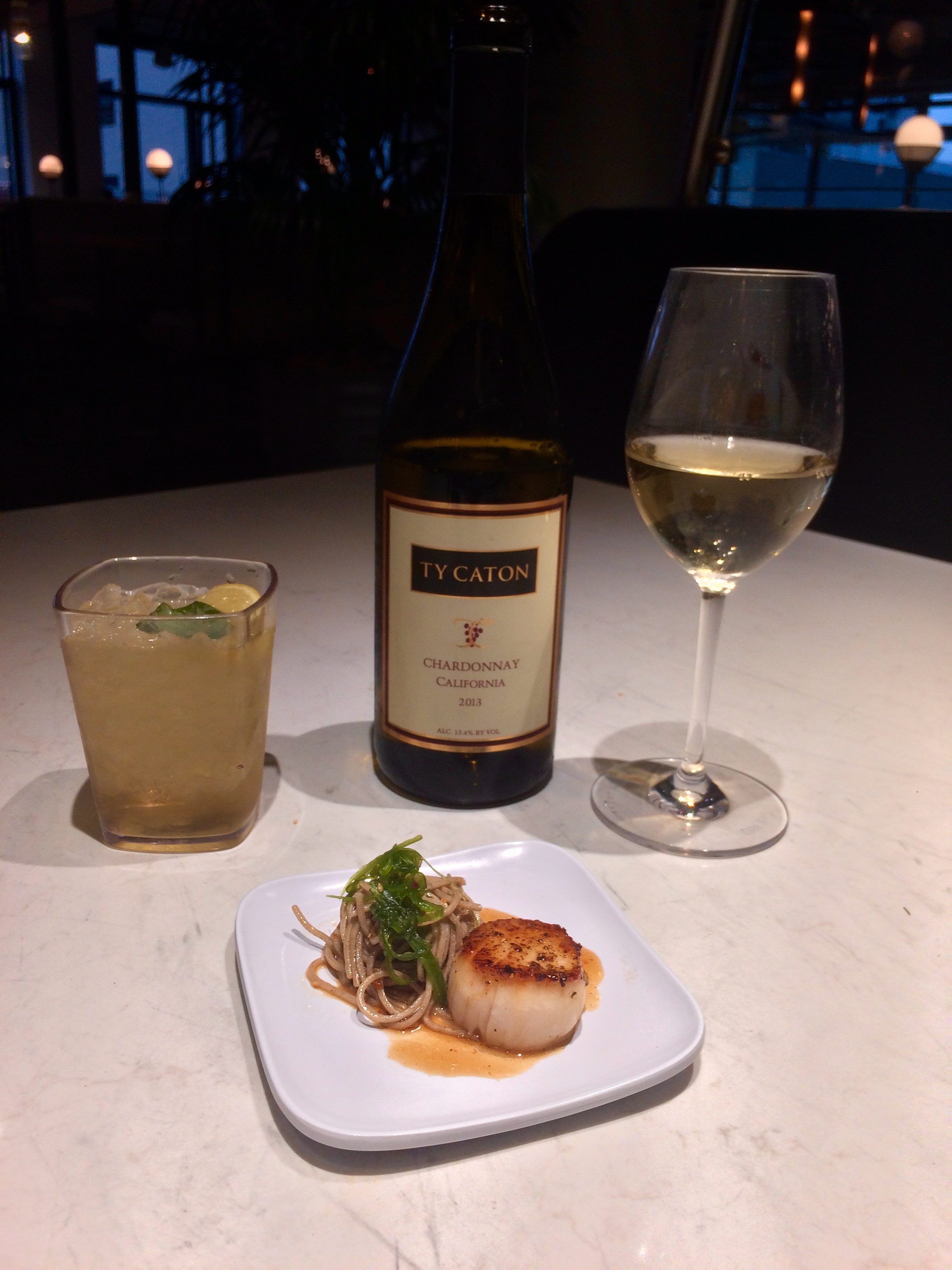 Wine pairing with cocktail, scallop, and pasta